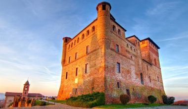 Grinzane Cavour Castle, symbol and history of the Langhe